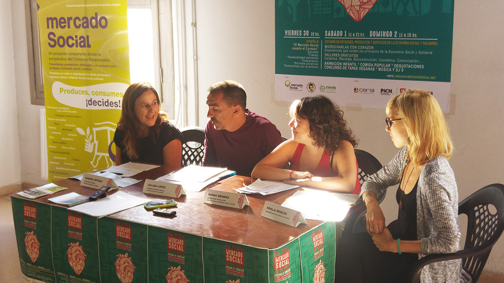 El Mercado Social Aragón enseña el corazón para implicarse en un cambio económico y social