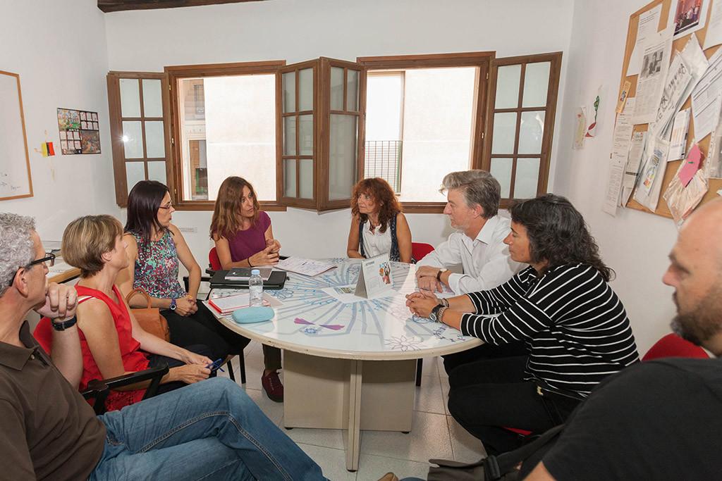 Los Centros Municipales de Servicios Sociales de Zaragoza mejorarán su atención y acortarán tiempos de espera