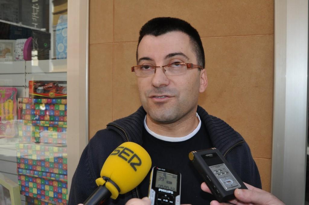 IU lamenta la política laboral de BonÀrea-Guissona en su superficie comercial de Fraga