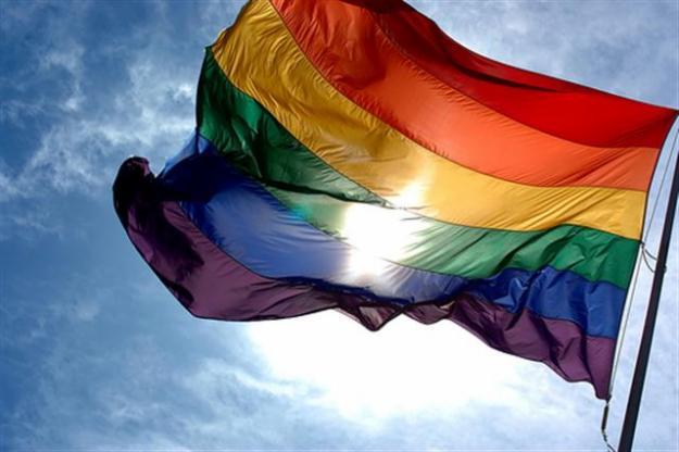 El teléfono de atención del Colectivo LGTBI+ La Litera y Uesca recibe 162 consultas en 2016