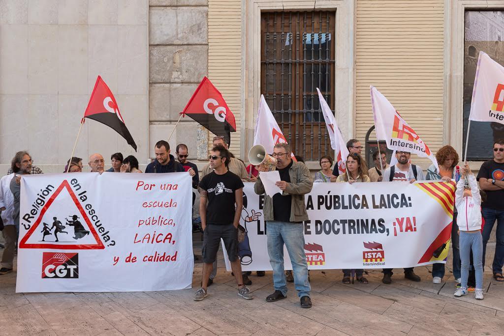 CGT Enseñanza y STEA-i se movilizan para protestar contra la sentencia del TSJA sobre religión
