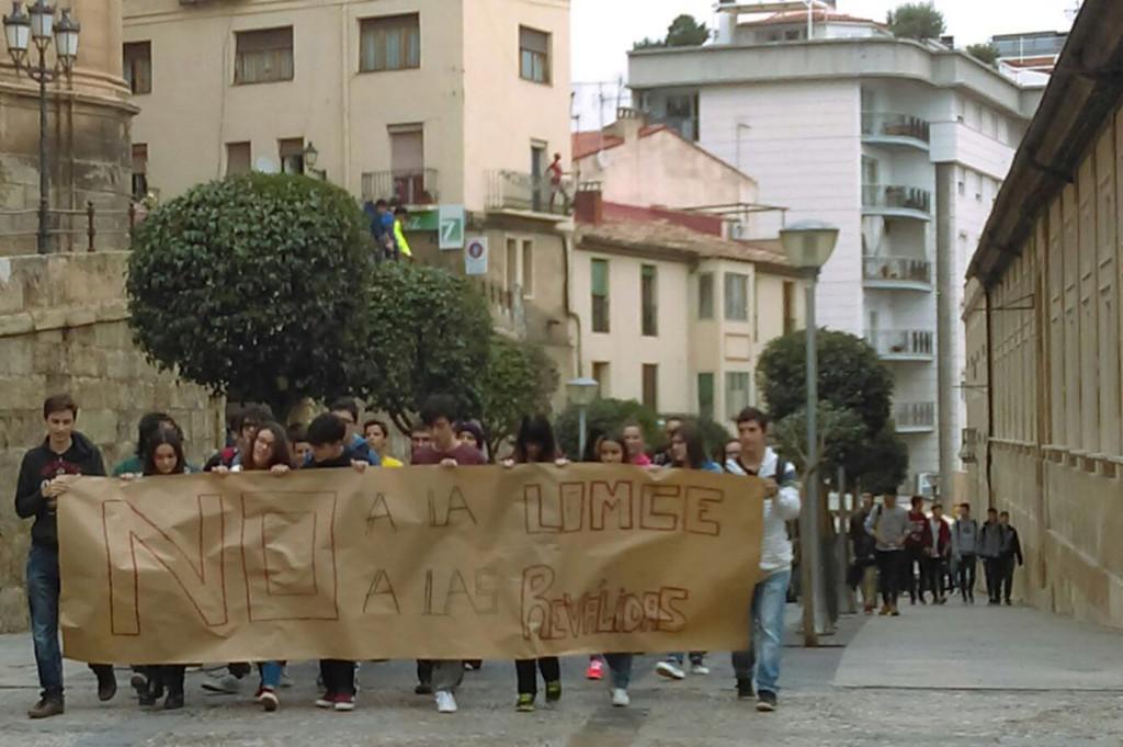 Estudiantes en huelga en Alcanyiz. Foto: @PurnaEstudiants