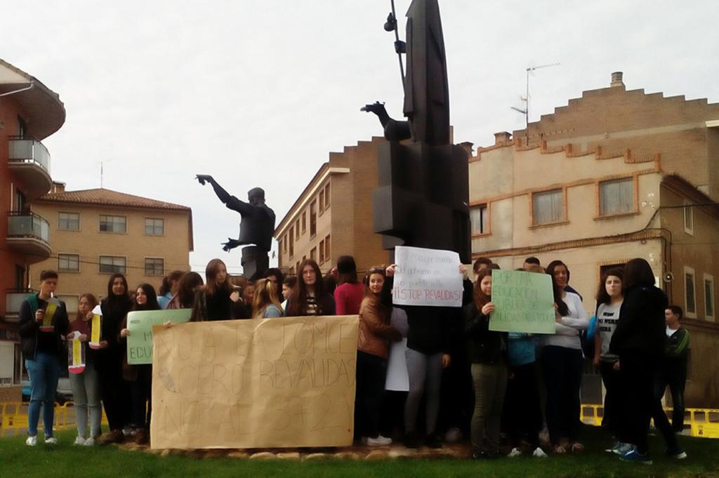 Estudiantes en huelga en Calamocha. Foto: CGT Teruel