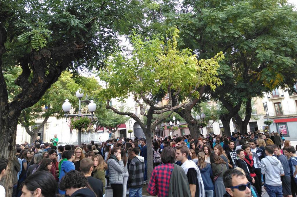 Concentración en Uesca. Foto: @PurnaEstudiants
