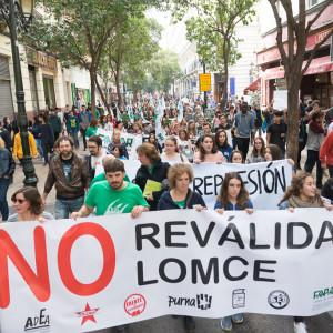 Masivo seguimiento en Aragón de la huelga educativa contra la Lomce y las reválidas