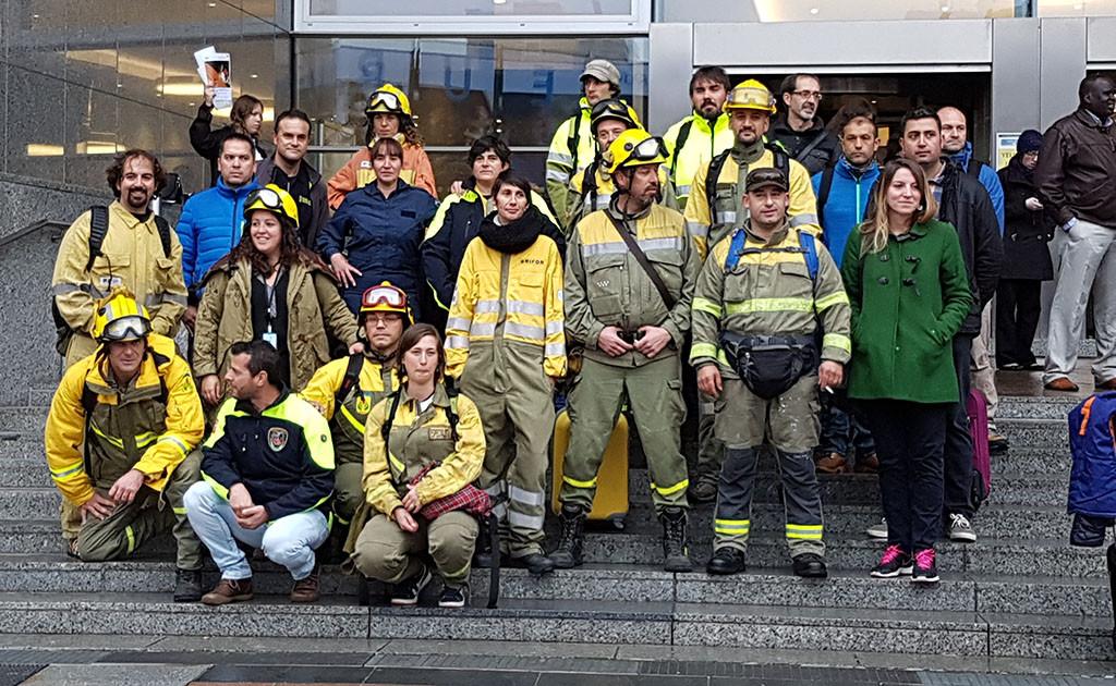 Bomberos forestales piden en Bruselas la normalización de su categoría profesional
