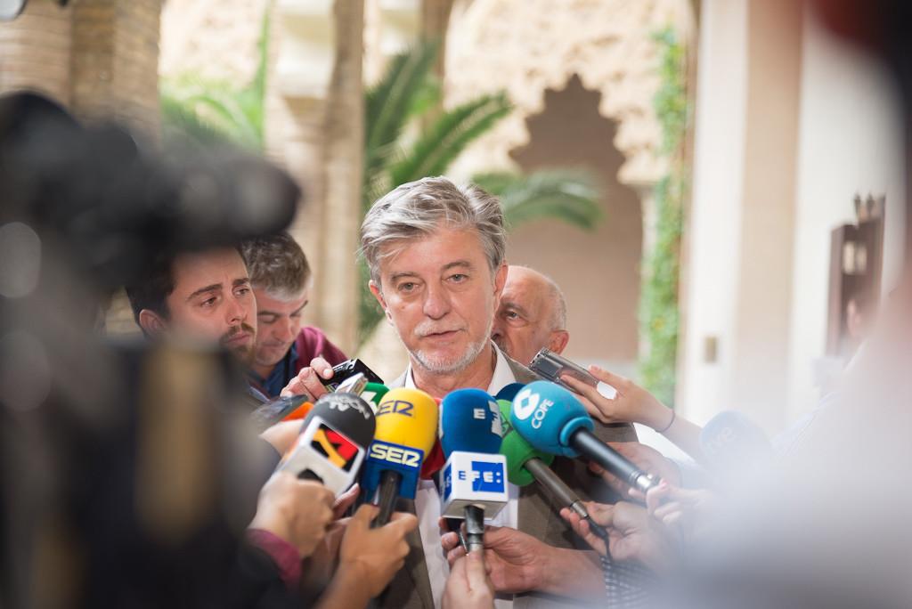 """Santisteve: """"El régimen del bipartidismo es un cadaver político"""""""