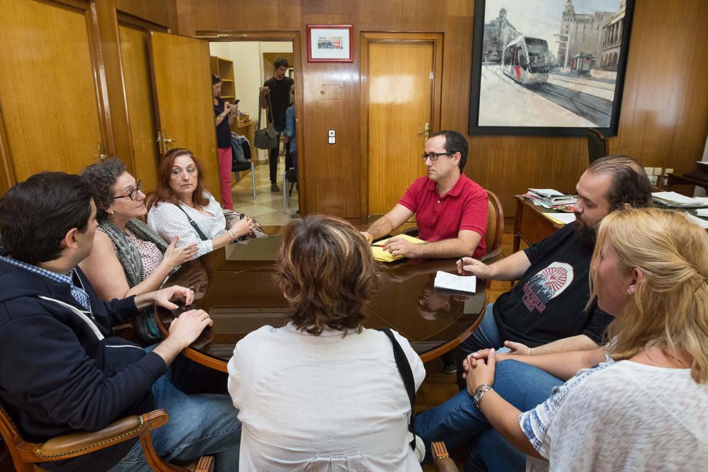 El Pleno de Zaragoza pide a Extel que retire el ERE