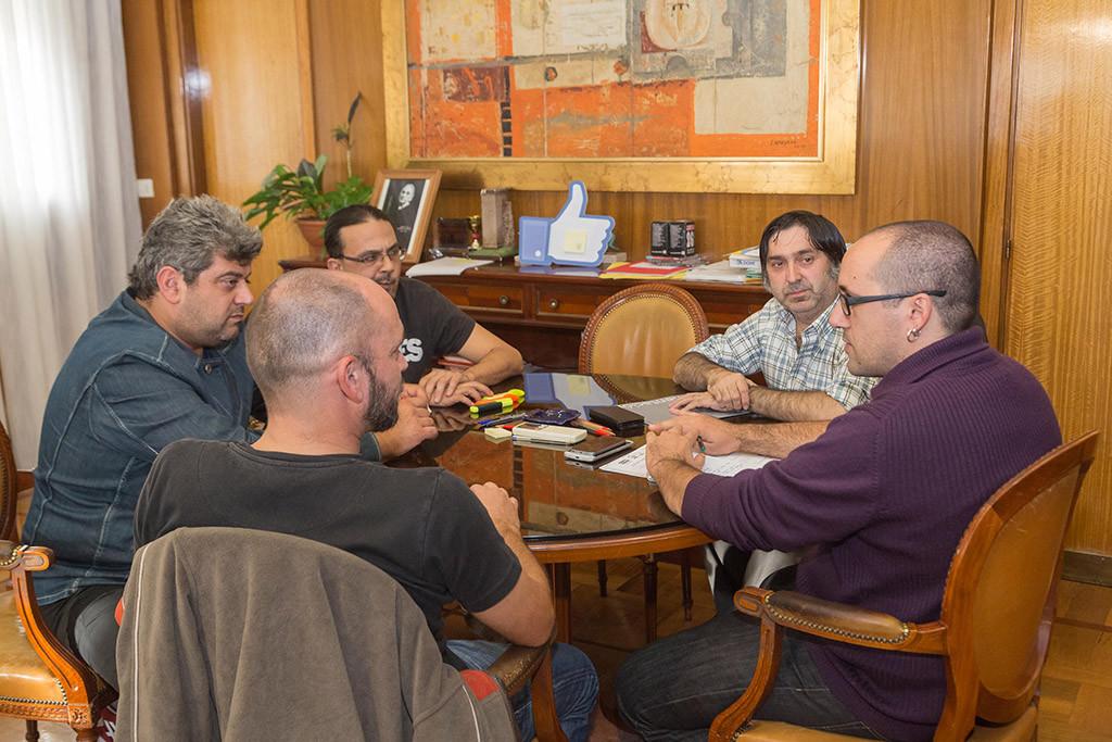 Cubero se reúne con los trabajadores de FCC Limpieza para conocer la situación de las negociaciones con la empresa