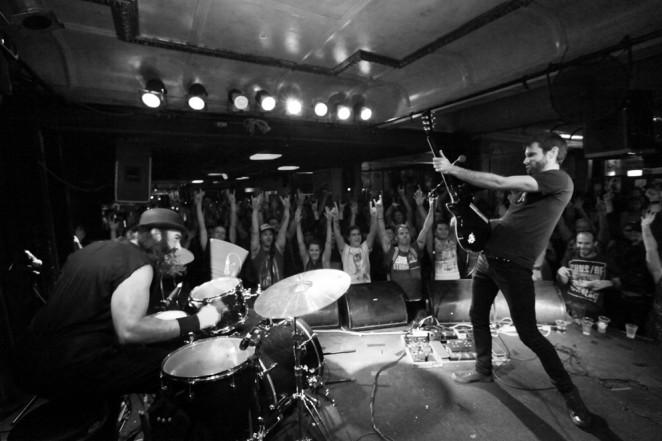 El dúo australiano King Of The North despliega su potente rock en La Ley Seca