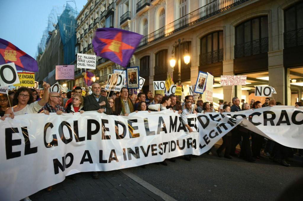 Protesta en Madrid contra la investidura de Rajoy. Foto: Álvaro Minguito (Diagonal)