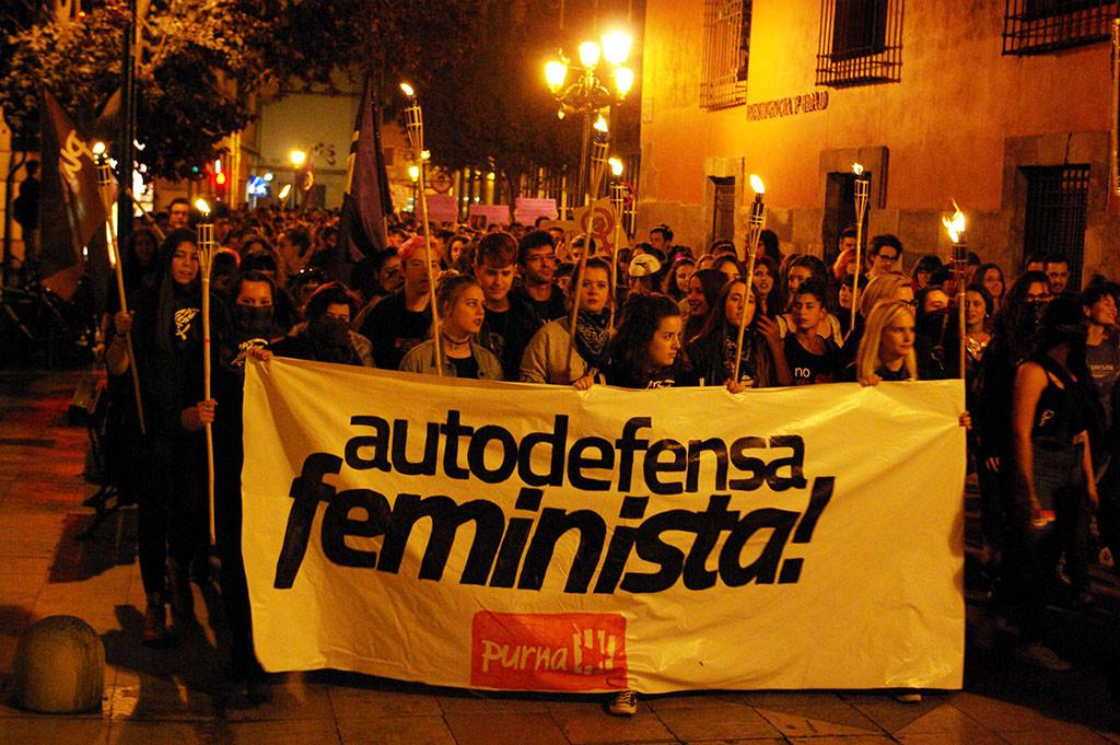 Un millar de personas reivindican unos pilares feministas y sin agresiones machistas