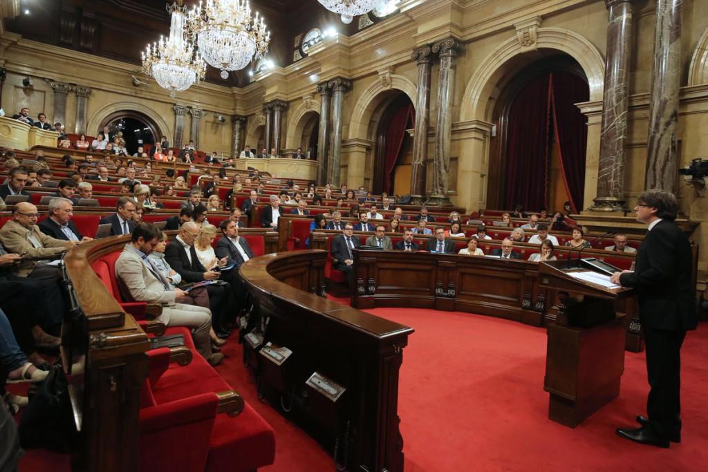 El Parlament da luz verde al referéndum en Catalunya