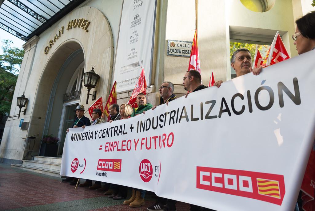 Sindicatos convocan una marcha nocturna en Andorra para la defensa del futuro de las comarcas mineras