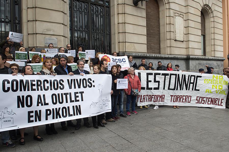 Admitido a trámite el recurso contencioso administrativo presentado por la FABZ y otras entidades ciudadanas contra el outlet de Pikolín