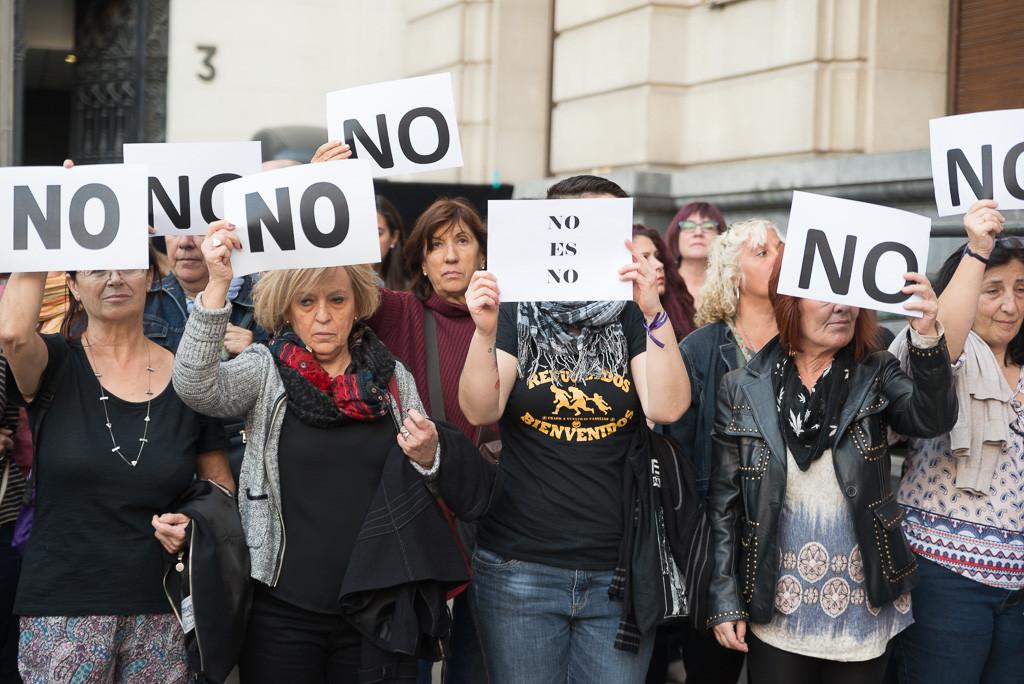 """El Ayuntamiento de Zaragoza instalará """"puntos violeta"""" contra la violencia machista durante las fiestas del Pilar"""