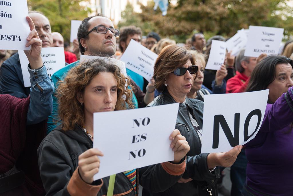 Concentración en Zaragoza contra las agresiones sexistas. Foto: Pablo Ibáñez (AraInfo)