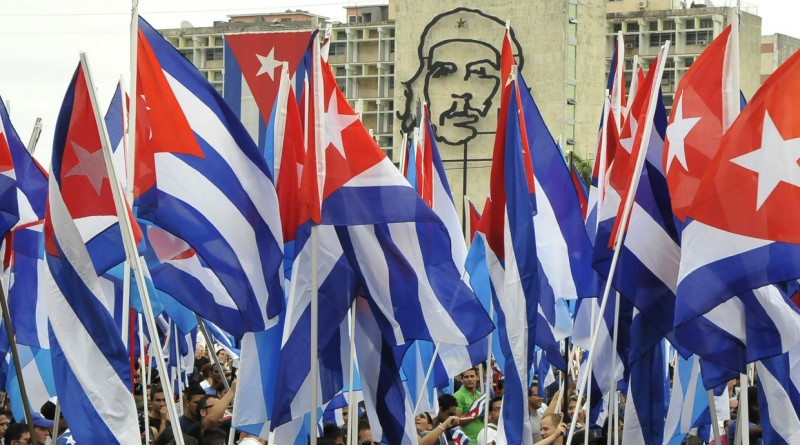 El Centro Joaquín Roncal acoge la presentación del informe 'Cuba y la ayuda al desarrollo'