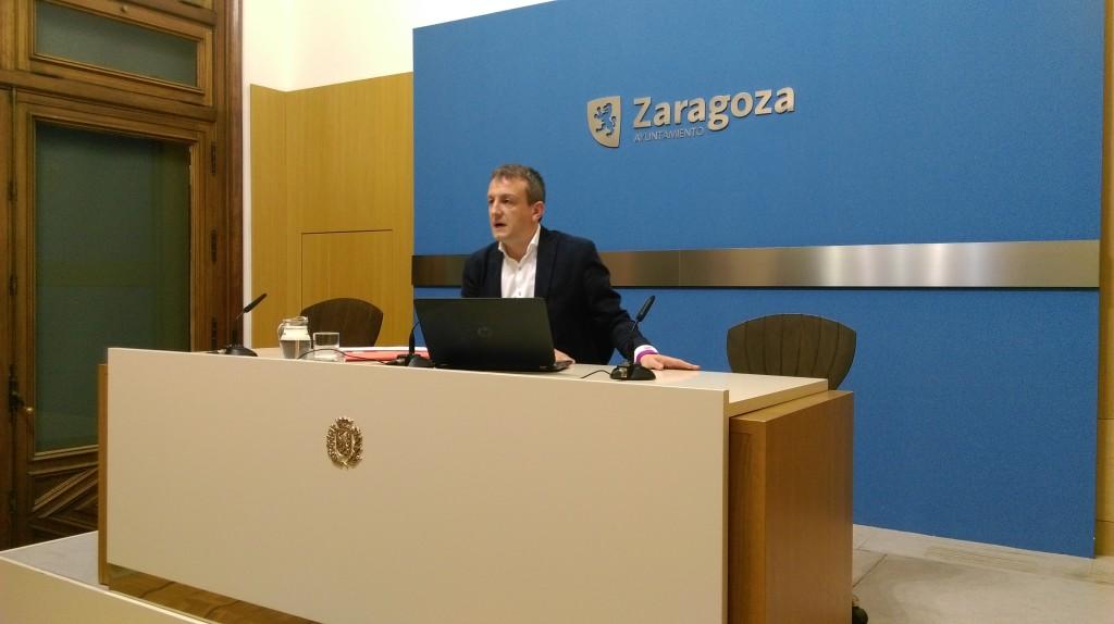 """El Gobierno de Zaragoza aplaza """"unos días"""" la negociación de los presupuestos"""