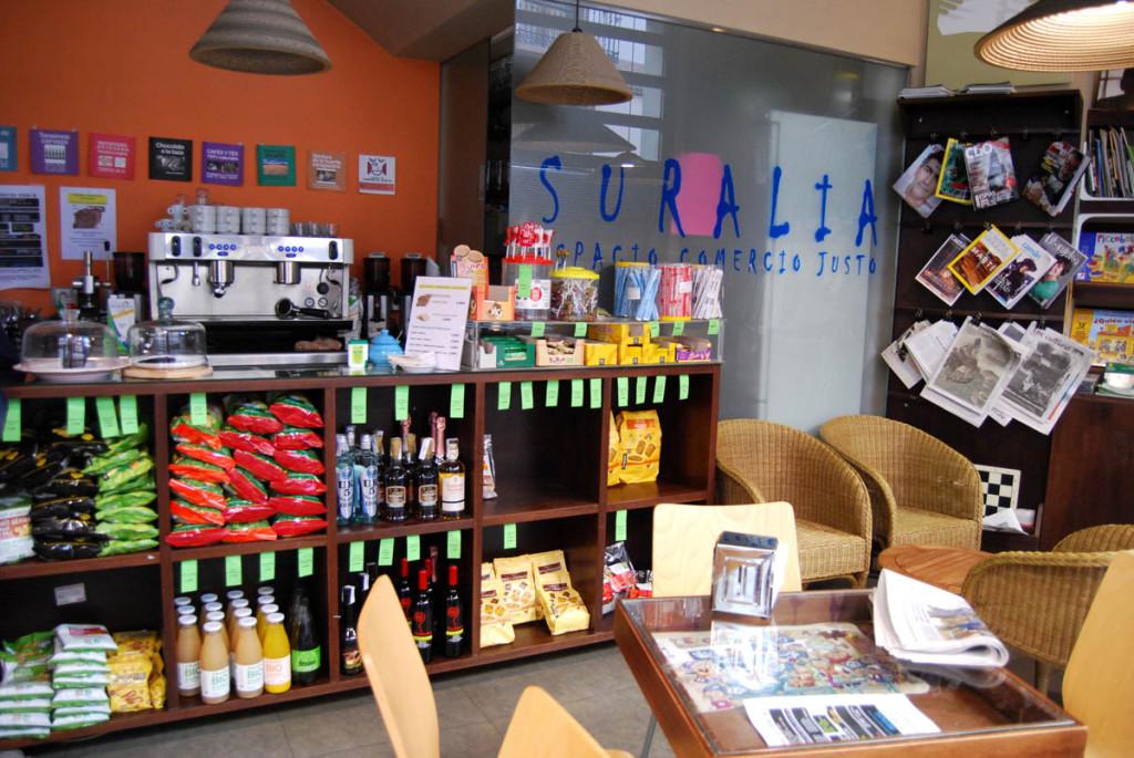 Suralia: un espacio para el comercio justo y la sensibilización en Zaragoza