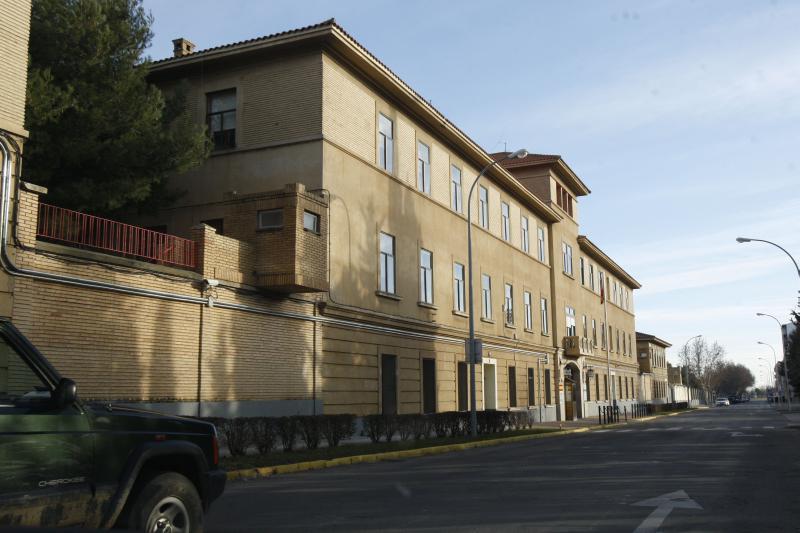 """CHA lleva al Senado el """"regalo"""" efectuado por el Ayuntamiento de Uesca a Defensa de los viejos y nuevos suelos para el cuartel"""