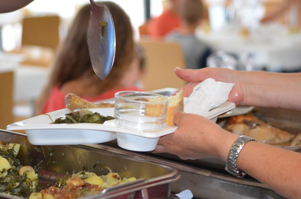 Arranca el curso escolar sin que la DGA publique la lista definitiva de las becas de comedor