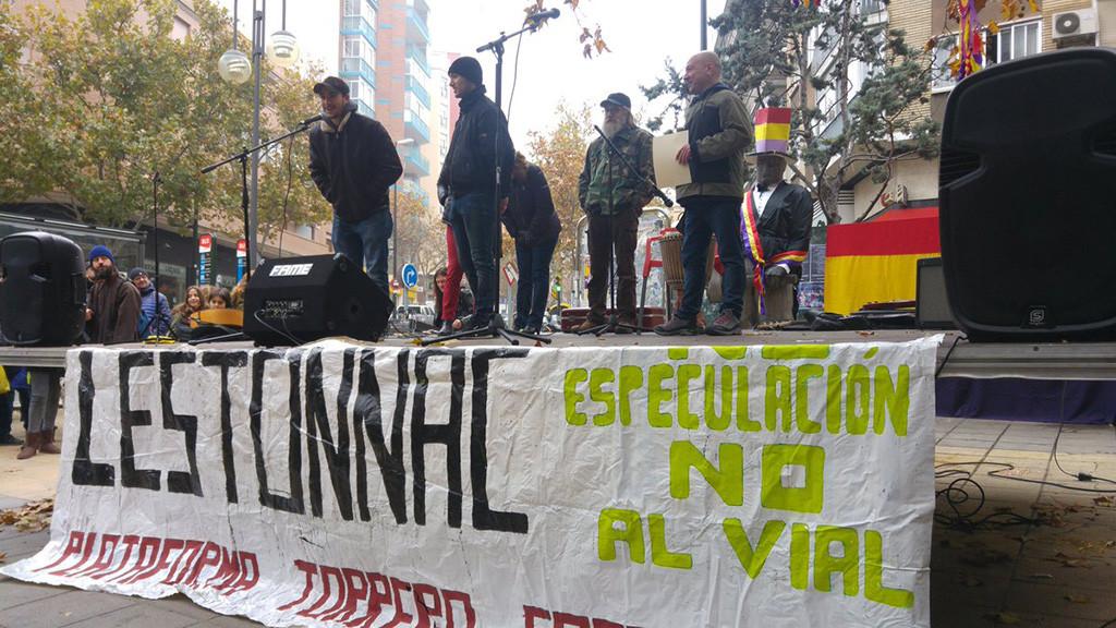 Torrero reconoce la labor de Educadorxs en Lucha y 'Los 10 de Zaragoza' con la distinción de Embajadores de su República Independiente