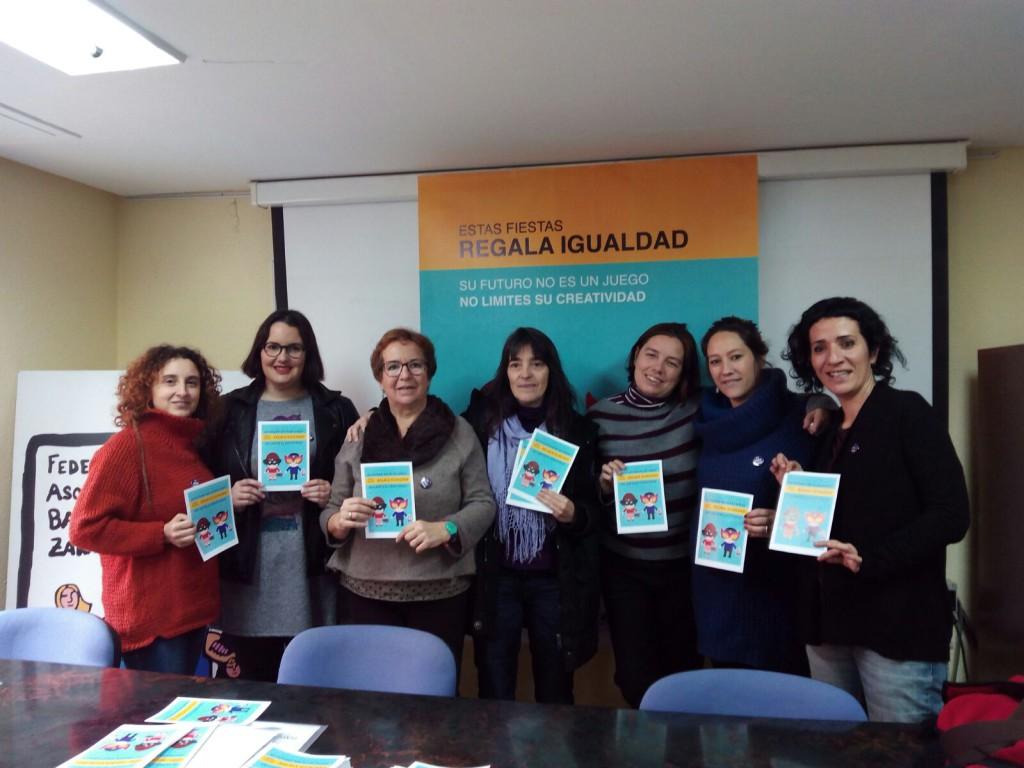 La Coordinadora de Organizaciones Feministas de Zaragoza lanza la  campaña 'Regalo Igualdad'