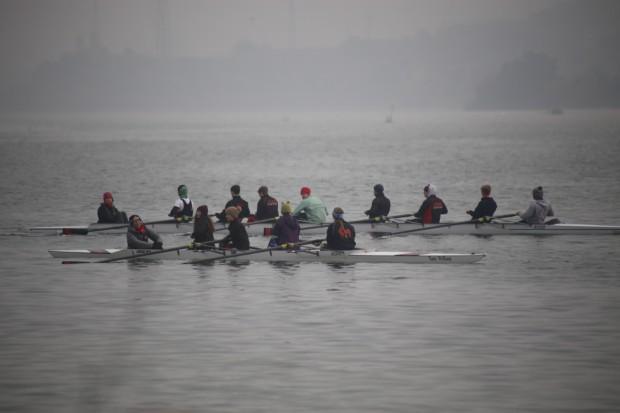 El Jesus College Boat Club de Cambridge se entrena en el Campo Municipal de Regatas de Mequinenza