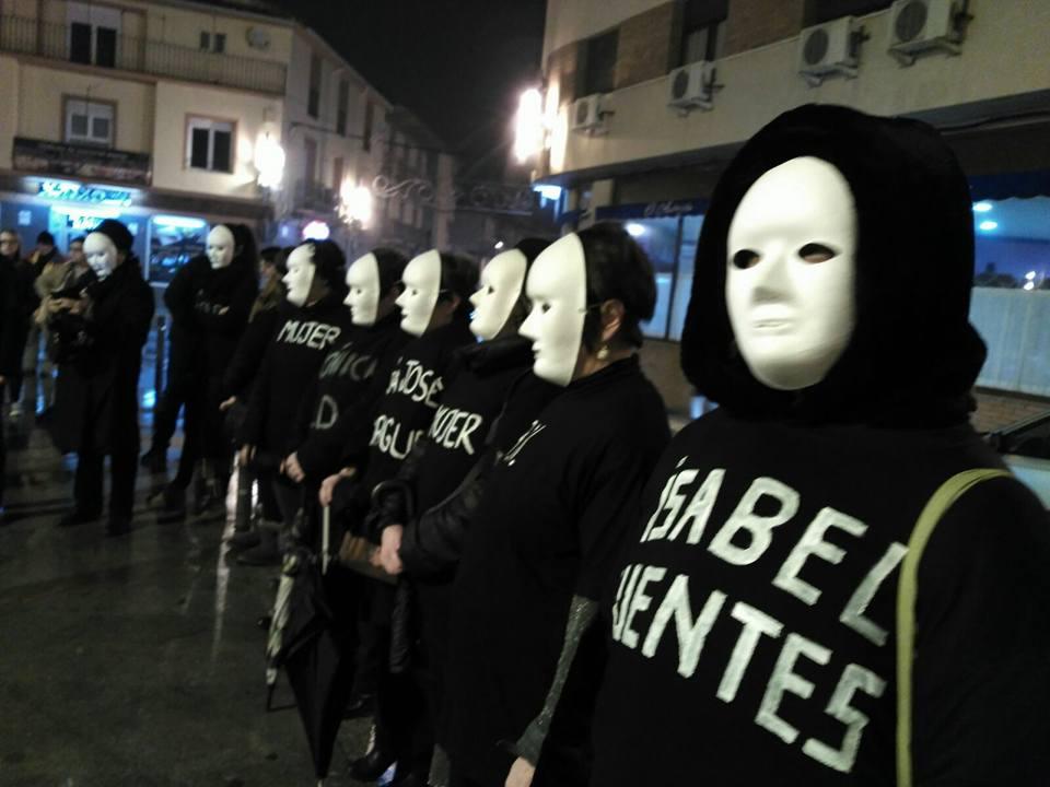 Bajo Aragón Feminista lamenta la no asistencia del Ayuntamiento de Alcanyiz a la concentración contra la violencia machista