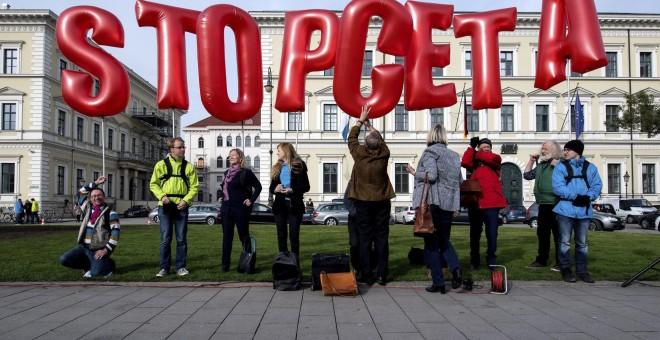 CGT pide al PSOE que sea «consecuente con su posición de izquierdas» y vote 'no' al CETA