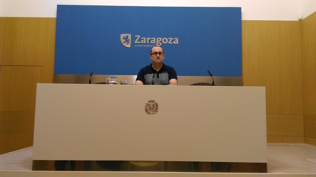 Alberto Cubero anuncia la creación de 14 plazas en la plantilla municipal para incluir la remunicipalización del 010