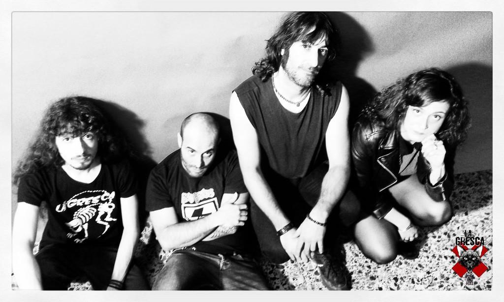 La Gresca lanza 'Mercado Negro', el primer disco oficial de la banda de punk'n roll de Alacant