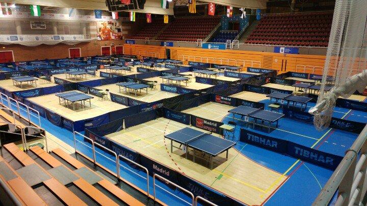 Una veintena de aragoneses participan en el Torneo Estatal de Alcobendas de tenis de mesa