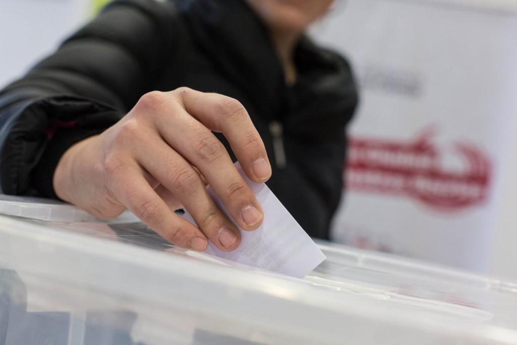La militancia de Zaragoza en Común respalda la aprobación de los presupuestos municipales
