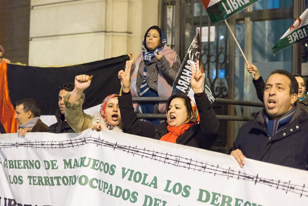 Concentración en Zaragoza para denunciar el asesinato de una joven y la represión policial y militar de la población saharaui de El Aaiún