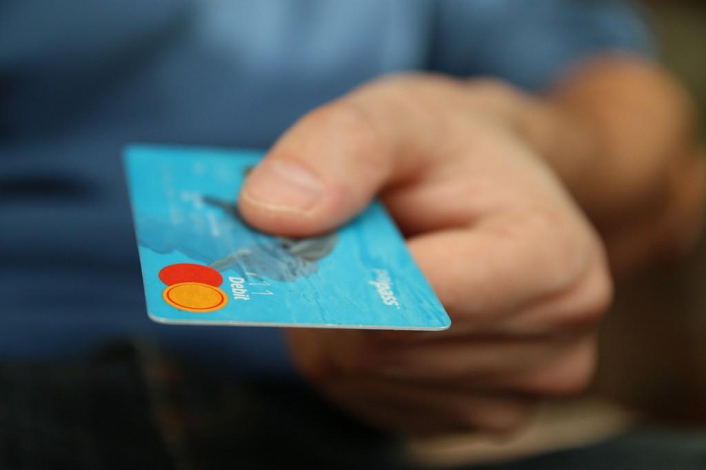 Siete claves para ahorrar en la cuesta de enero y evitar que se convierta en una montaña de deudas