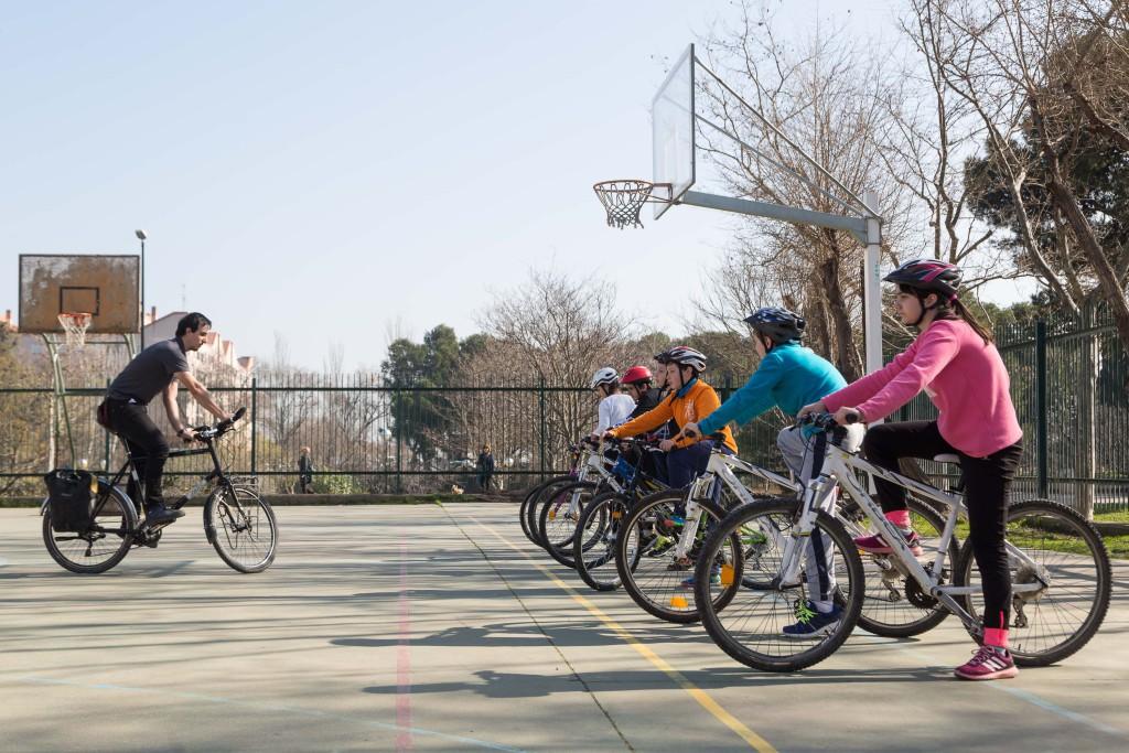 La Bicicleta en la Escuela enseñará a circular a 1.600 estudiantes de Zaragoza en 2017