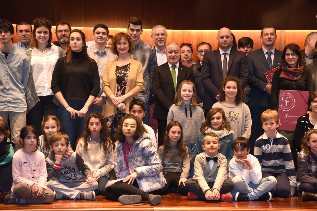 Foto de familia de la XIX edición del Galardón Félix de Azara. Foto: J.Blasco.