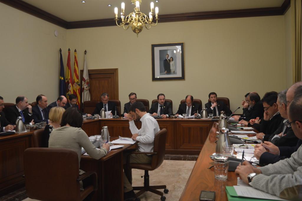 La Diputación de Teruel insta al Gobierno de Aragón a solucionar la falta de especialistas en los hospitales turolenses