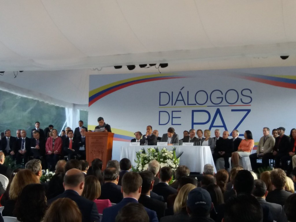 Gobierno colombiano y ELN anuncian un acuerdo de alto el fuego bilateral por cuatro meses