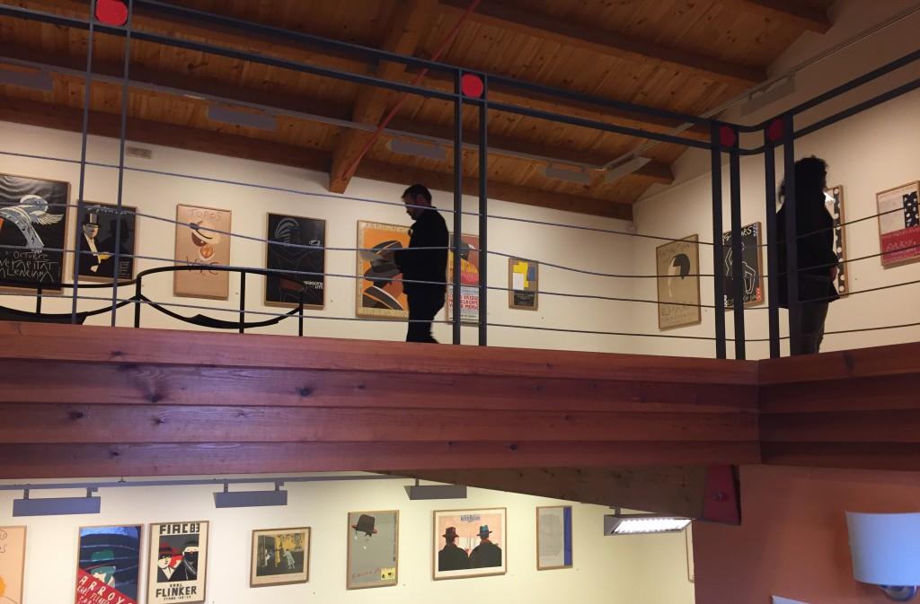 La sala Zuloaga de Fuendetodos expone la obra como cartelista de Eduardo Arroyo