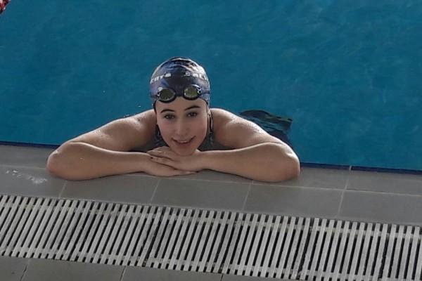 Gran jornada de la nadadora aragonesa Julia Aragüés en el Campeonato Estatal de Salvamento Deportivo