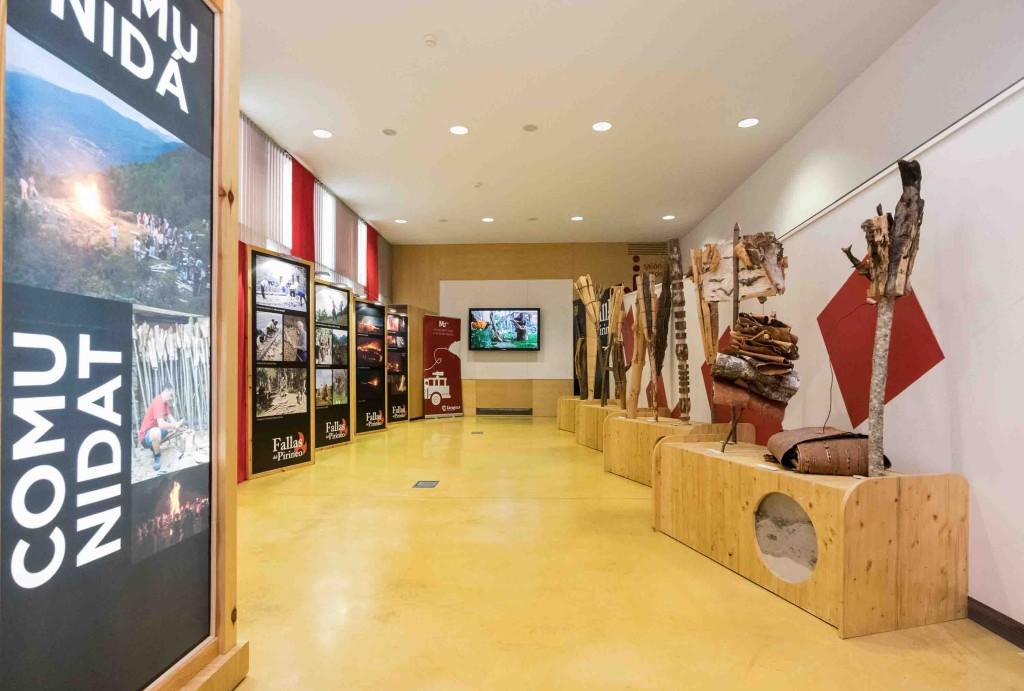 El Museo del Fuego y de los Bomberos acoge la exposición 'Fallas del Pirineo'