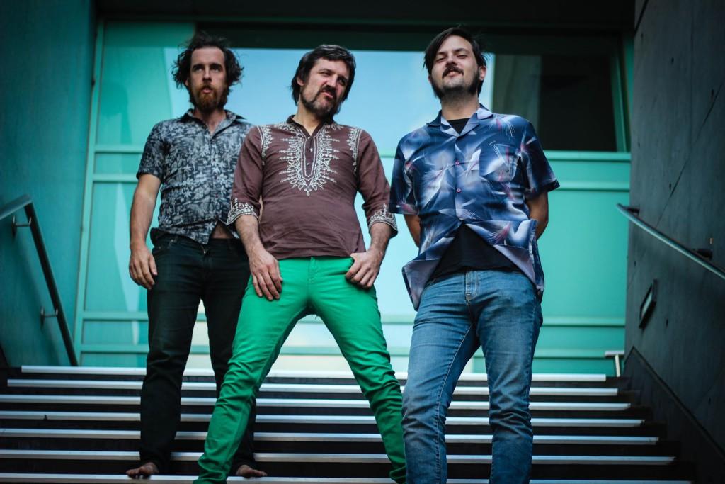 Rock and roll australiano en La Ley Seca con Sun God Replica
