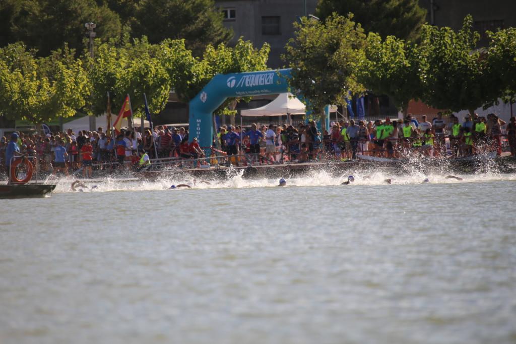 Mequinensa acogerá la disputa del primer triatlón en distancia 'half' que se organiza en Aragón