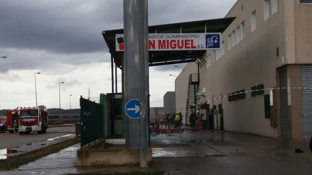 Un fallecido y un herido en una explosión en una gasolinera de Villanueva de Galligo