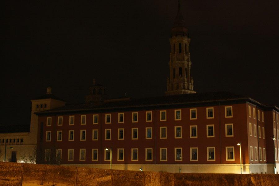 El Ayuntamiento de Zaragoza se suma a la Hora del Planeta con el apagado de las fachadas de los principales edificios de la ciudad