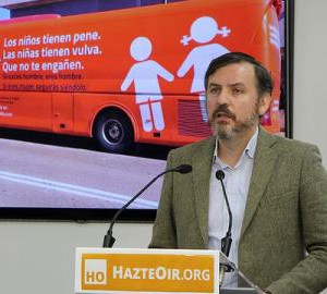 """Podemos pide a la DGA y a Delegación del Gobierno que impida circular al autobús tránsfobo de """"Hazte Oír"""" por las calles de Zaragoza y de cualquier municipio aragonés"""