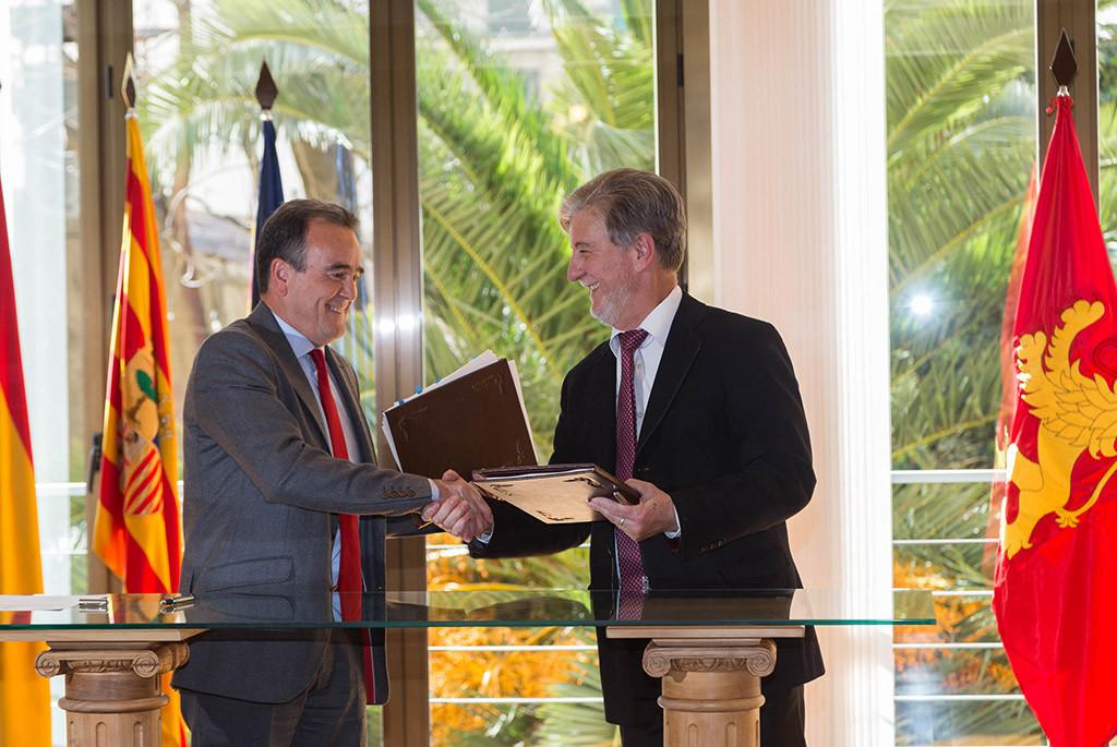 Ayuntamiento y DPZ firman un convenio para los barrios rurales de Zaragoza por 9 millones de euros entre 2017 y 2019